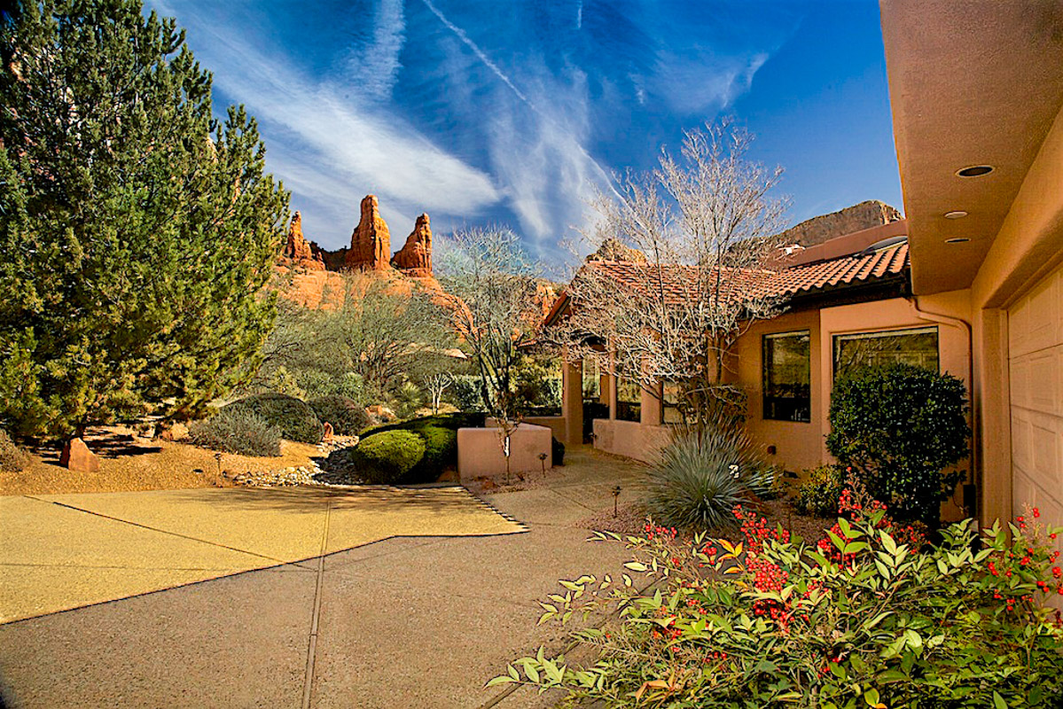 Chapel Hills real estate Sheri Sperry Coldwell Banker top sedona real estate agent